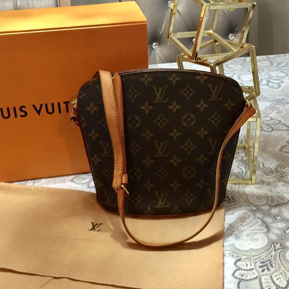 57c824f7b21e Louis Vuitton Handbags - Louis Vuitton drouot shoulder bag